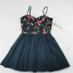 Black Red Floral Embroidered Party Dress Tulle